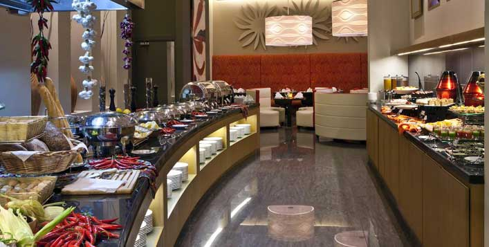 Buffet with free-flowing soft beverages