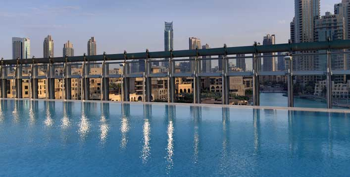 Access to indoor and outdoor pool