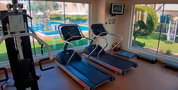 Pool & gym access for up to 4 people