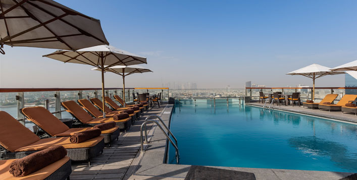 The Edge Pool Bar, Hilton Dubai Creek