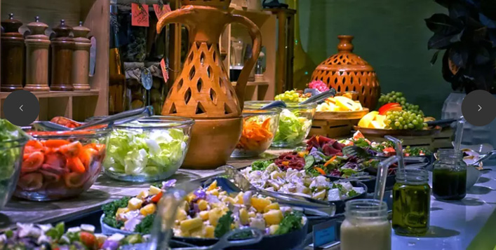 Traditional Arabic dishes with beverages