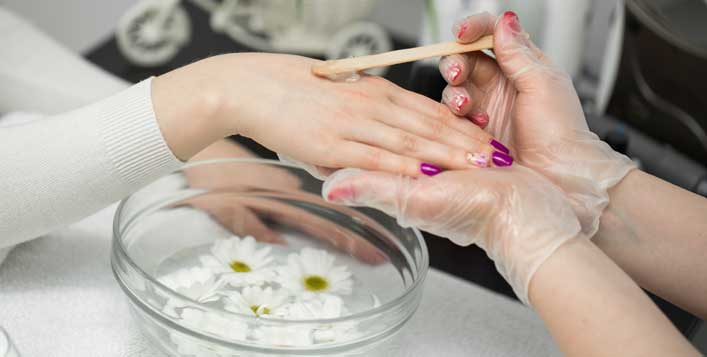 Waxing, threading, mani-pedi and more!